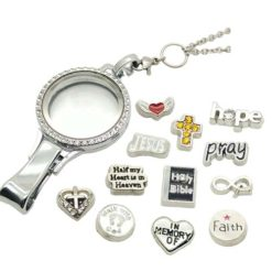 religion faith bible jesus locket necklace